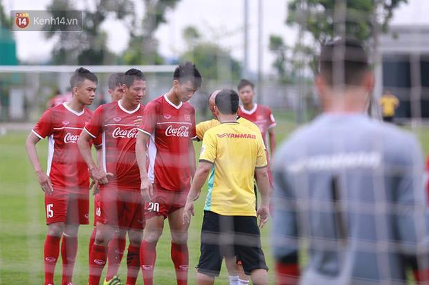 U23 Việt Nam tập chiêu đá phạt góc như đội tuyển Anh ở World Cup 2018 - Ảnh 1.