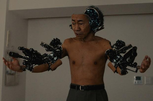 Nâng tầm ý nghĩa của nguyên tác, Inuyashiki gây ấn tượng mạnh nhờ loạt cải biến hợp lý - Ảnh 2.