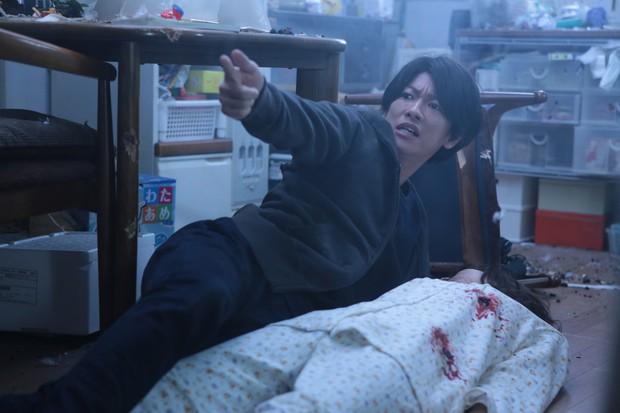 Nâng tầm ý nghĩa của nguyên tác, Inuyashiki gây ấn tượng mạnh nhờ loạt cải biến hợp lý - Ảnh 6.