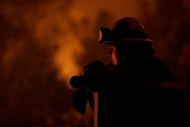 """Hãi hùng cảnh tượng cháy rừng dữ dội """"bủa vây"""" bang California, Mỹ - Ảnh 5."""