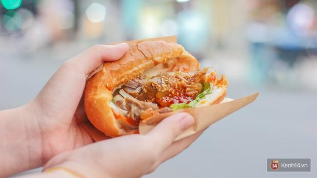 Quá nhiều kiểu bánh mì độc đáo tại Sài Gòn, nhất là kiểu số 2 - Ảnh 10.