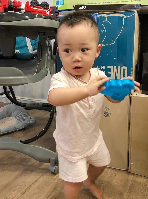 Không chỉ được chăm sóc, con trai Bella còn được hot mom Hằng Túi tự tay cắt tóc, tân trang ngoại hình - Ảnh 6.