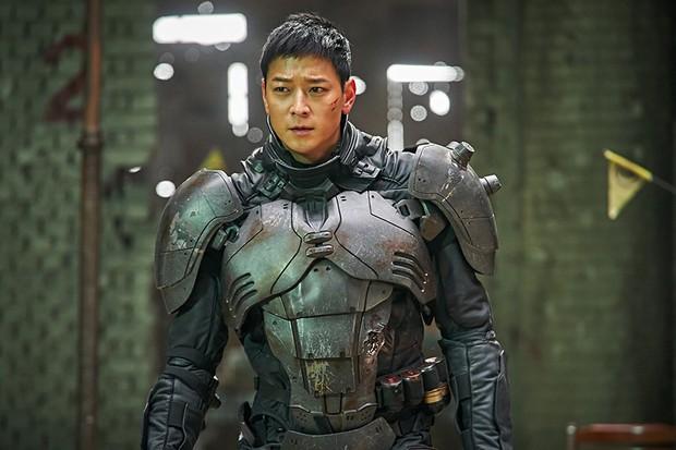 Phim của Kang Dong Won và Han Hyo Joo khởi chiếu buồn bã tại Hàn - Ảnh 3.
