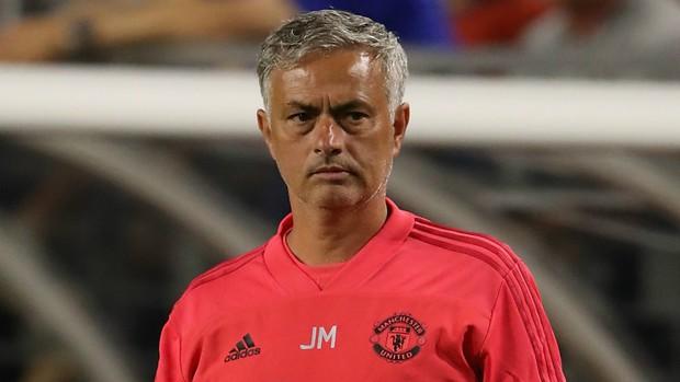 CĐV M.U đòi sa thải Mourinho - Ảnh 1.