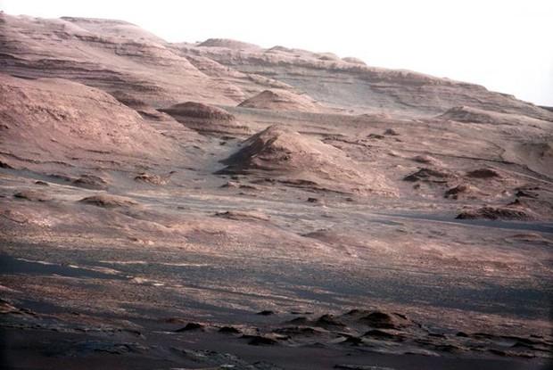 Cận cảnh bề mặt kỳ thú trên Sao Hỏa trong loạt ảnh mới nhất của NASA - Ảnh 1.