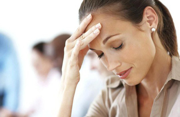 Choáng váng khi đứng dậy nhanh: Nguy cơ đột quỵ tăng 2,14 lần! - Ảnh 1.