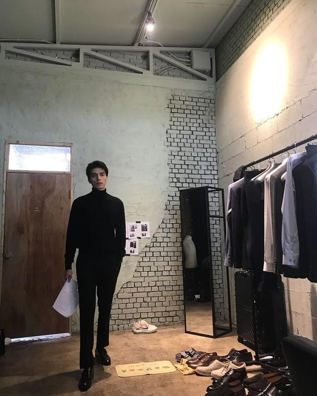 Lee Dong Wook đăng ảnh lần đầu và hành động của anh có liên quan đến nguyên nhân chia tay Suzy - Ảnh 1.