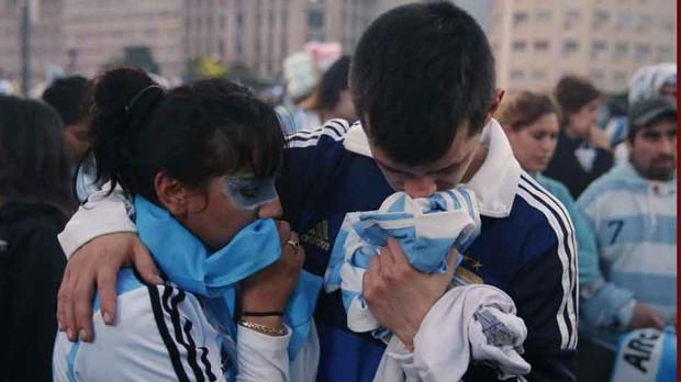 Người hâm mộ treo cổ tự tử sau khi đội tuyển Argentina bị loại khỏi World Cup - Ảnh 1.