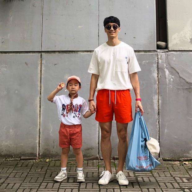 Thêm một cặp bố con Hàn Quốc làm dân tình ngây ngất: Ăn mặc thì chất, lại còn đẹp trai! - Ảnh 5.