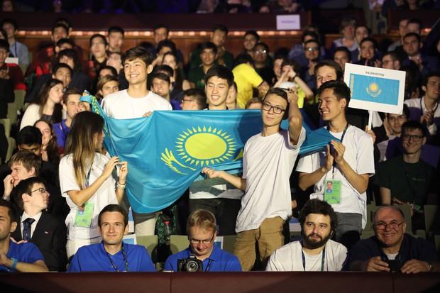 Dàn thí sinh tham gia Olympic Vật Lý Quốc tế 2018: Con trai học Tự nhiên cũng đẹp trai chẳng thua kém ai - Ảnh 4.