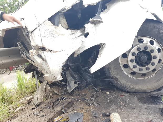 Ảnh: Hiện trường vụ xe rước dâu gặp tai nạn thảm khốc khiến chú rể và 12 người tử vong - Ảnh 7.