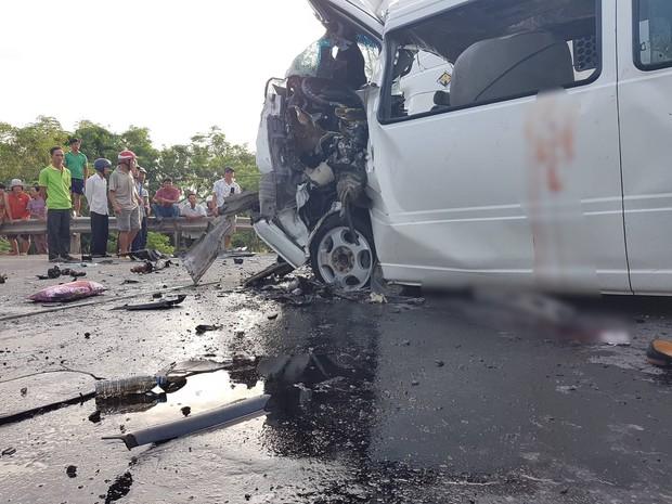 Ảnh: Hiện trường vụ xe rước dâu gặp tai nạn thảm khốc khiến chú rể và 12 người tử vong - Ảnh 9.