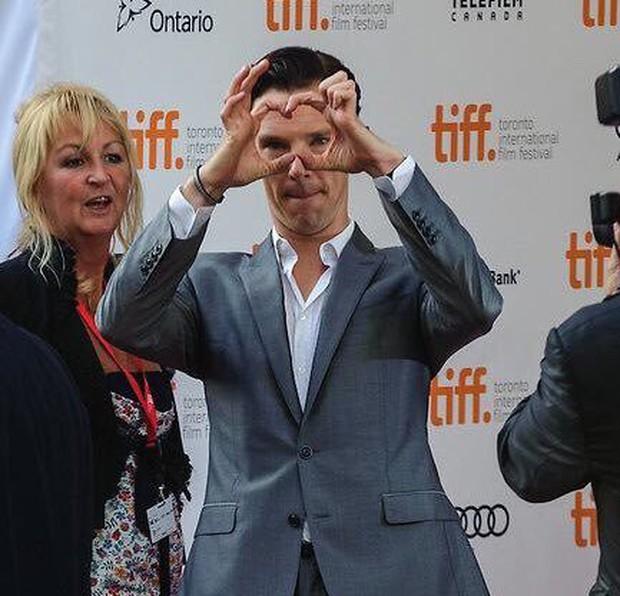 Thế giới có 2 loại người: Thả tim điệu nghệ như Tom Cruise và thả mãi... không ra hình trái tim như Doctor Strange - Ảnh 3.