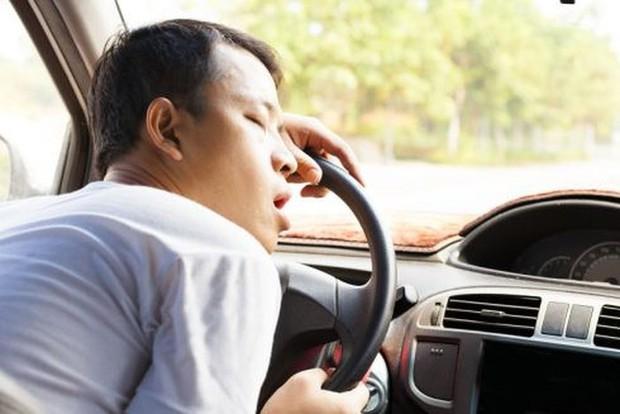 Lái xe có 12 năm cầm vô-lăng: Buồn ngủ là cơn ác mộng… - Ảnh 2.
