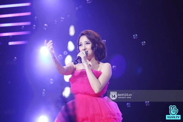 Toàn cảnh show diễn Hàn - Việt: Hani và Bích Phương đẹp xuất sắc, Soobin tiết lộ câu chuyện kết hợp với Jiyeon - Ảnh 12.