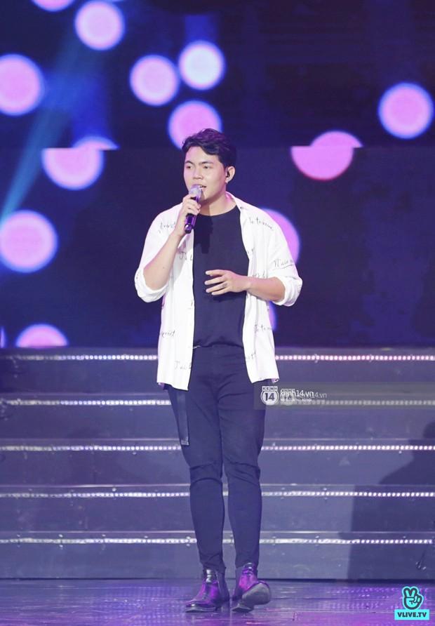 Toàn cảnh show diễn Hàn - Việt: Hani và Bích Phương đẹp xuất sắc, Soobin tiết lộ câu chuyện kết hợp với Jiyeon - Ảnh 3.