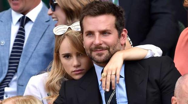 Robert Pattinson ôm hôn bạn gái cũ của Bradley Cooper, không còn hy vọng tái hợp Kristen - Ảnh 4.
