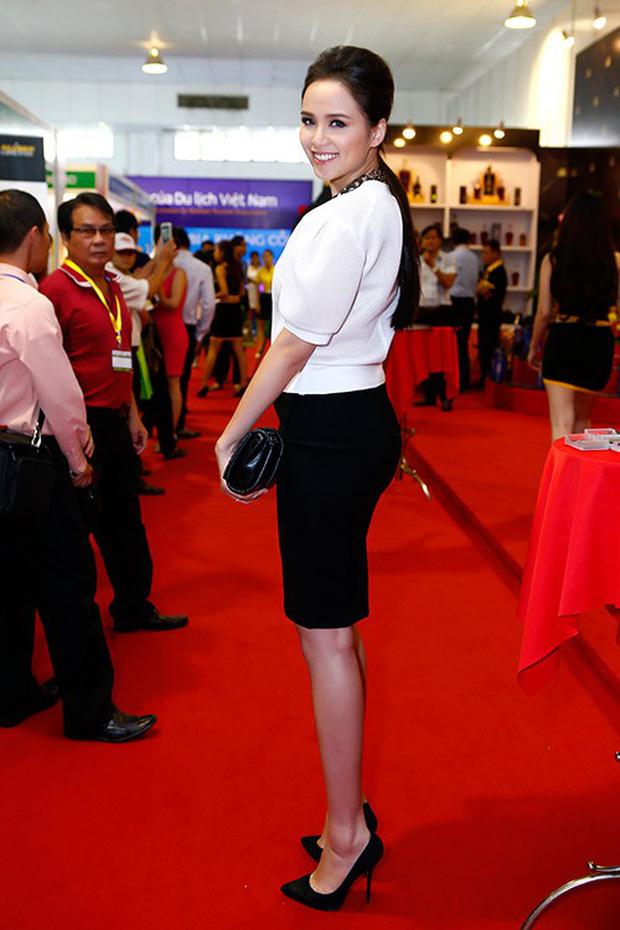 Ngoài Diệp Lâm Anh, còn có 20 người đẹp nổi tiếng bụng to vượt mặt vẫn diện giày cao gót chứng minh: bầu có quyền đẹp - Ảnh 12.