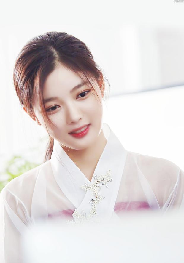Top mỹ nhân Hàn sinh ra đã có nhan sắc và thần thái công chúa: Ai cũng đẹp khó tin, riêng số 5 từng dao kéo - Ảnh 11.