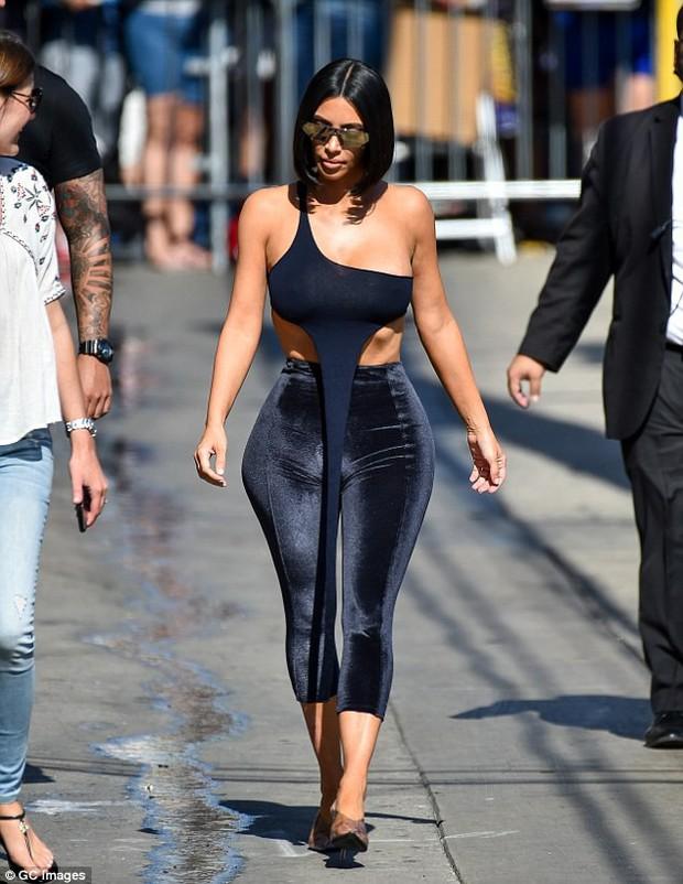 Trước có quần què, giờ có thêm định nghĩa áo què do Kim Kardashian lăng xê - Ảnh 4.