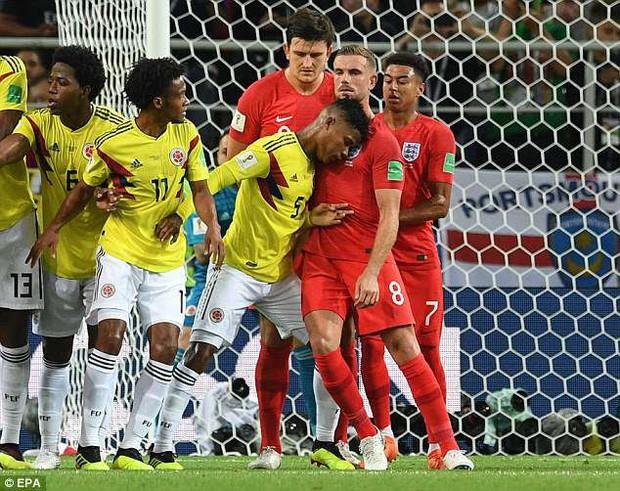 """World Cup ghi lại 10 trận đấu """"bẩn"""" nhất lịch sử - Ảnh 1."""