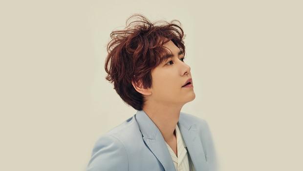 """8 nam idol Kpop có quãng giọng """"khủng"""" nhất: Đại diện BTS gây bất ngờ vì chẳng phải main vocal lại còn hát ít - Ảnh 9."""