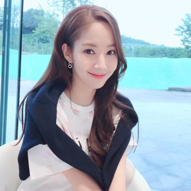 Hết Park Seo Joon, lại đến Park Min Young chứng minh: Đẹp thì lội bùn, mò cua bắt ốc cũng vẫn đẹp! - Ảnh 6.
