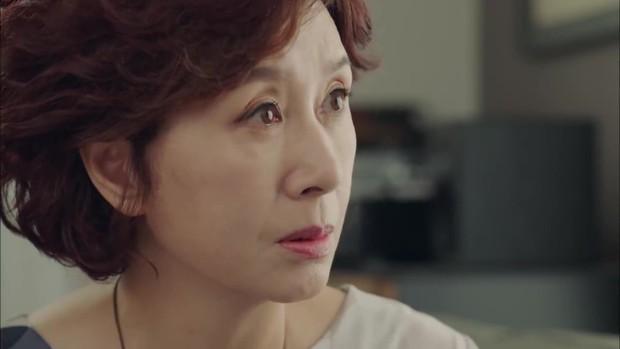 Thư Ký Kim tập 10 bỗng thiếu muối, fan chưng hửng nhìn Park Min Young lăn đùng ra ngất - Ảnh 5.