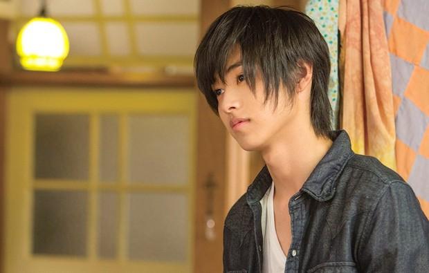 Có hot boy mặt đơ Yamazaki Kento, Good Doctor bản Nhật liệu có thành công như bản Hàn, Mỹ? - Ảnh 6.