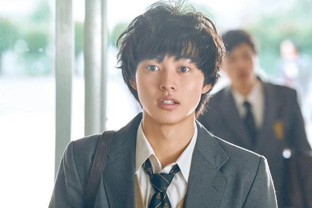 Có hot boy mặt đơ Yamazaki Kento, Good Doctor bản Nhật liệu có thành công như bản Hàn, Mỹ? - Ảnh 8.