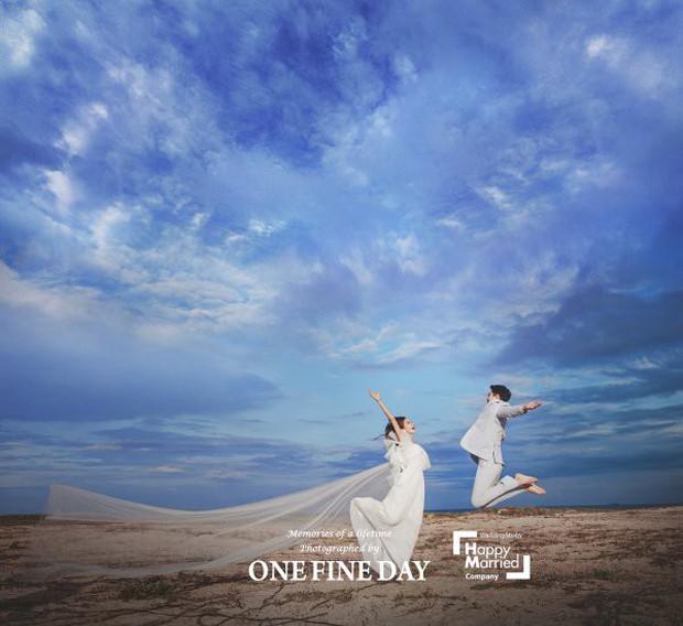 Cặp đôi nàng 46 chàng 29 ồn ào nhất showbiz Hàn khoe bộ ảnh cưới độc và lung linh như phim tại Hội An, Sài Gòn - Ảnh 9.