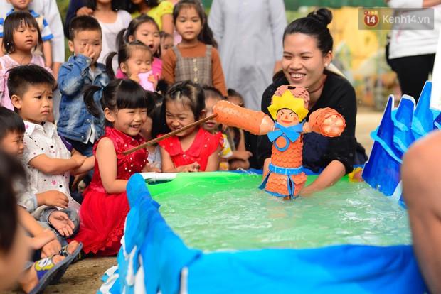 Thêm một hành trình tiếp nối yêu thương của Sunbox: Từ vỏ chai nhựa bỏ đi, các bạn đã dựng nên một rạp rối lưu động cho trẻ em miền cao - Ảnh 5.