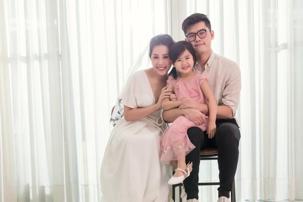 Gào khoe bộ ảnh cưới siêu hạnh phúc cùng chồng và 3 em bé - Ảnh 11.