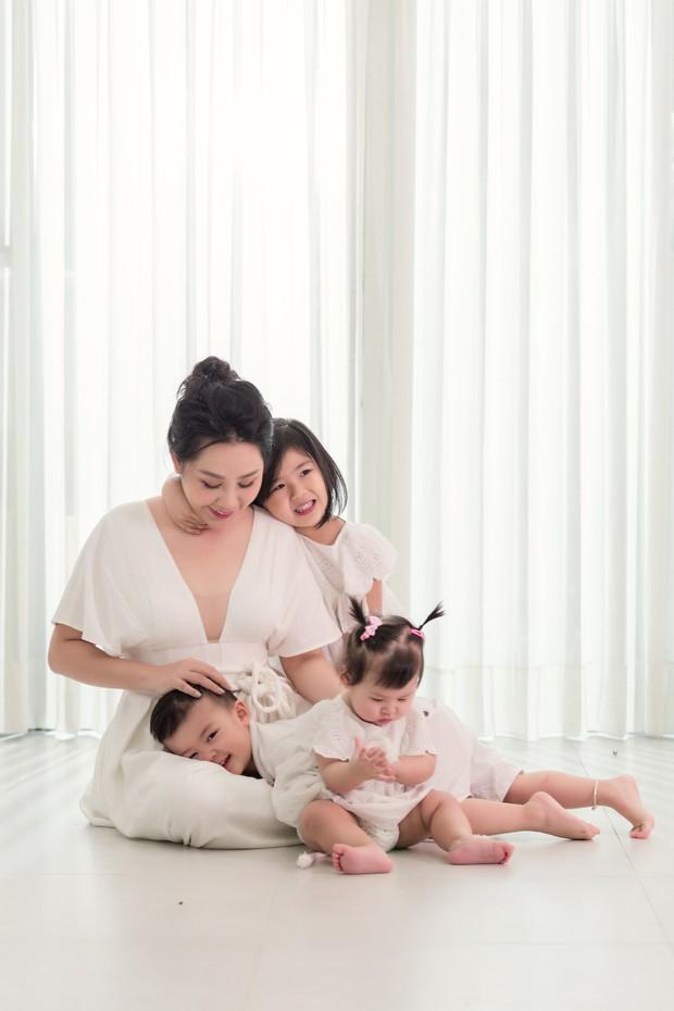 Gào khoe bộ ảnh cưới siêu hạnh phúc cùng chồng và 3 em bé - Ảnh 8.