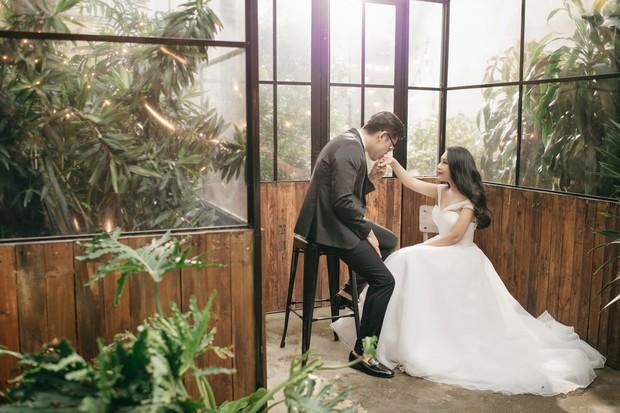 Gào khoe bộ ảnh cưới siêu hạnh phúc cùng chồng và 3 em bé - Ảnh 1.