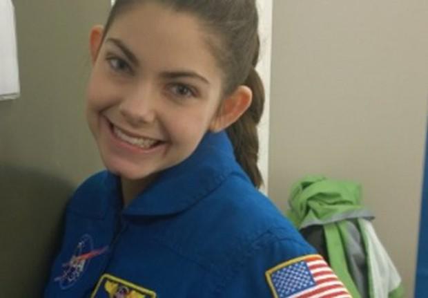 Cô bé 17 tuổi được NASA đào tạo để trở thành người đầu tiên đặt chân lên sao Hỏa - Ảnh 1.