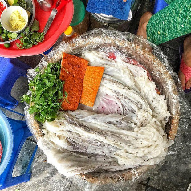Ở Hà Nội, muốn ăn bánh cuốn Thanh Trì thì có thể tới những đâu? - Ảnh 1.