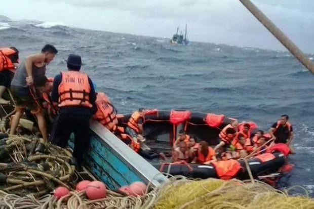 Thái Lan: 3 vụ lật tàu cùng ngày, nhiều du khách Trung Quốc mất tích - Ảnh 1.