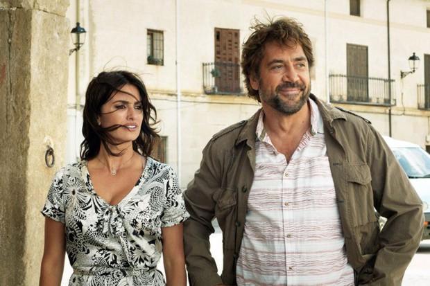 Chuyện tình của cặp vợ chồng quyền lực nhất Tây Ban Nha: Yêu thắm thiết từ phim ra đời thật - Ảnh 6.