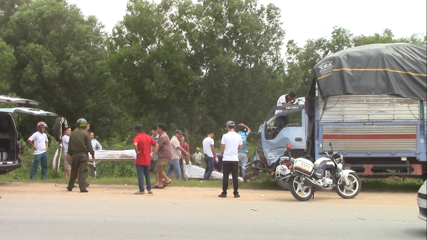 Vụ tai nạn liên hoàn khiến 3 người tử vong : Xe ba gác chạy trái đường sai quy định? - Ảnh 1.