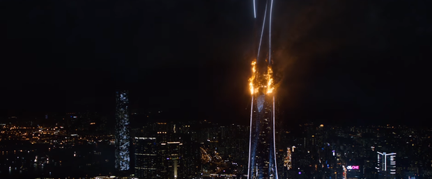 Skyscraper: Phiên bản siêu anh hùng khiếm khuyết thử thách tiền đình khán giả - Ảnh 6.
