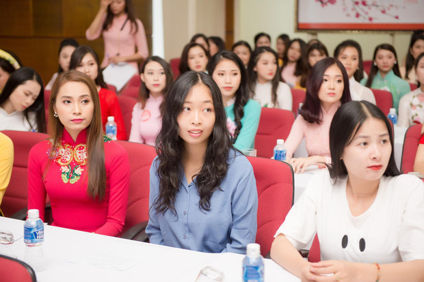 Nữ du học sinh Việt dự thi Hoa hậu Việt Nam 2018 là thạc sĩ tại Pháp, tiến sĩ Vật lý lượng tử tại Ý - Ảnh 2.