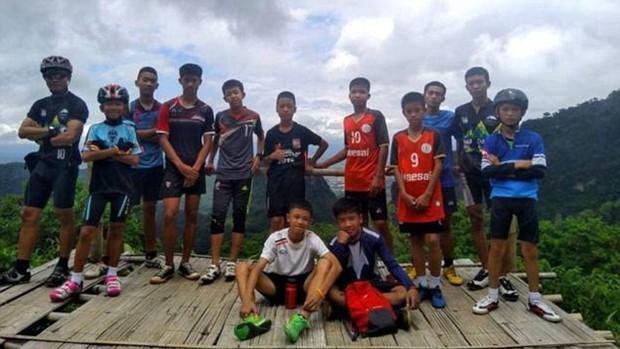 Chân dung và thông tin cụ thể của 12 cầu thủ và HLV đội bóng Thái Lan đang mắc kẹt trong hang - Ảnh 15.