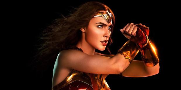 Bất ngờ với lý do các nữ siêu anh hùng màn ảnh đua nhau làm cô gái đến từ hôm qua - Ảnh 1.