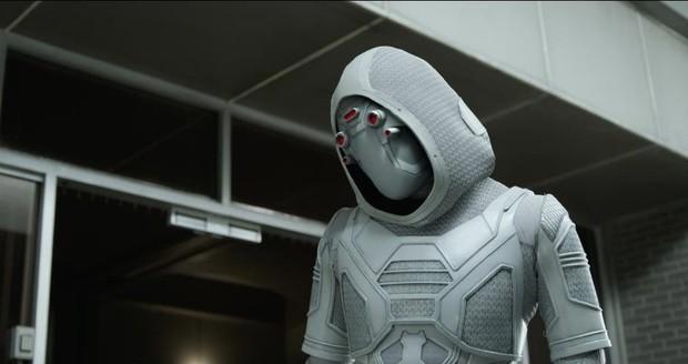 Vì cớ gì Ghost được chuyển giới thành chị gái xấu xa trong Ant-Man and the Wasp? - Ảnh 1.