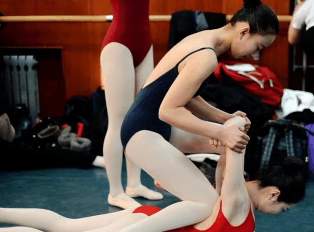 Sự khắc nghiệt đến đáng sợ bên trong những ngôi trường Nghệ thuật tại Trung Quốc - Ảnh 5.