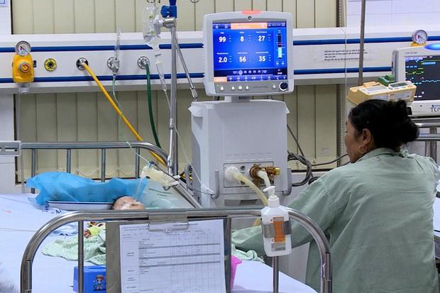 Khởi tố vụ bé 8 tháng tử vong do điều dưỡng tiêm nhầm thuốc - Ảnh 1.