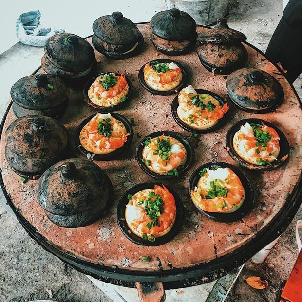 Ai bảo Sài Gòn chỉ có bánh căn trứng cút với thịt băm, còn bao nhiêu kiểu thú vị và hấp dẫn không kém đây - Ảnh 1.