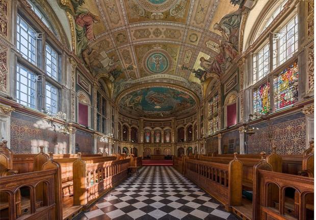 Choáng ngợp với sự nguy nga, tráng lệ của Đại học dành cho giới Hoàng gia Anh: Royal Holloway - Ảnh 9.
