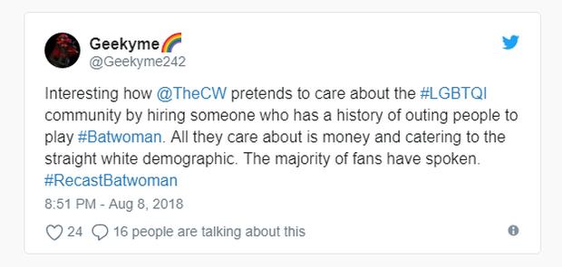 Diễn viên đồng tính Ruby Rose xoá tài khoản Twitter vì nhận đầy gạch đá cho vai Batwoman  - Ảnh 3.